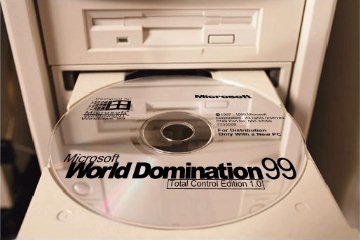 PHOTO - Microsoft World Domination 99 CD