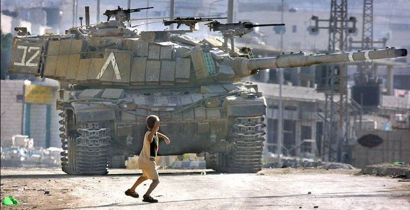 PHOTO_Israeli_Tank_vs_Palestinian_Boy